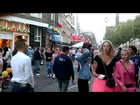 2 hot lesbian girls gay pride 2012